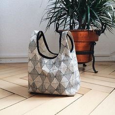 And...you can never have too many beautiful bags! This sweetness was made and photographed by @andreacollects with the #stowebag sewing pattern designed by @grainlinestudio with #umbrellaprints hemp/cotton organic Diamond Argyle. Love. by umbrellaprints