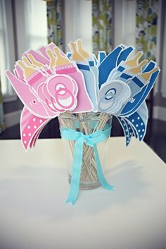 Great baby shower photo booth props! #babyshower #photobooth