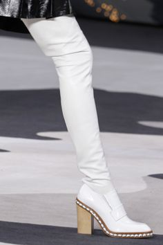 I'd wear these!  Chanel 2014. More inspiration at: http://www.valenciamindfulnessretreat.org
