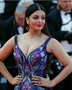 Aishwarya Rai at Girls of the Sun Premiere at Cannes Film Festival, Bollywood Actress Hot Photos, Indian Bollywood Actress, Beautiful Bollywood Actress, Most Beautiful Indian Actress, Bollywood Celebrities, Bollywood Fashion, Indian Actresses, Hot Actresses, Bollywood Heroine