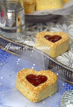 shortbread with sesame seeds Amour de cuisine Jam Cookies, Biscotti Cookies, Algerian Recipes, Desserts With Biscuits, Cookie Crumbs, Sweet Pastries, Small Cake, Mini Muffins, Biscuit Recipe