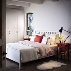 Odloži stvari na HEMNES noćni ormarić i više nećeš morati ustajati iz kreveta. :) www.IKEA.hr/HEMNES_nocni_ormaric