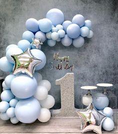 Boys First Birthday Cake, First Birthday Balloons, 2nd Birthday Party Themes, 1st Birthday Party Invitations, Birthday Balloon Decorations, Baby Boy Birthday, Baby Shower Decorations, Invitacion Baby Shower Originales, Baby Shower Planner