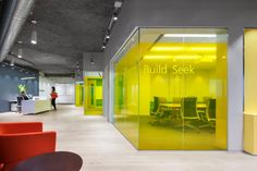 Microsoft office and customer center design by Perkins+Will, Hartford US office customer srvice
