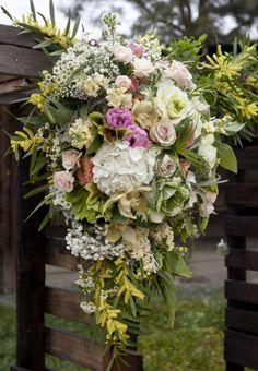 pallet arch. spring wedding.  www.sevenstemsdesign.com