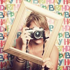 How to make a cheap and easy photobooth for your next party. So fun to look at afterwards! Diy Photo Booth, Photo Booth Backdrop, Photo Props, Picture Booth, Photo Shoot, Birthday Photo Booths, Birthday Photos, 10 Birthday, Birthday Parties