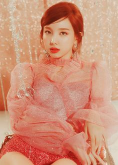 "Nayeon, Jeongyeon & Momo in ""Feel Special"" teasers Kpop Girl Groups, Korean Girl Groups, Kpop Girls, K Pop, Nayeon Twice, Twice Kpop, Im Nayeon, Dahyun, Foto Pose"