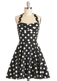 Halter black and white polka dot dress. Traveling Cupcake Truck Dress in Black. Your style is as sweet as your bakery confections when youre manning your food truck in this darling dress, as featured in Glamour! Retro Vintage Dresses, Vintage Mode, 50s Dresses, Unique Dresses, Pretty Dresses, Fashion Dresses, Rockabilly Dresses, Retro Dress, Rockabilly Fashion