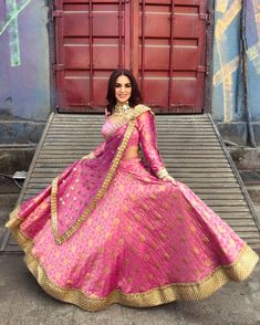 All Ethnic Customization with Hand Embroidery & beautiful Zardosi Art by Expert & Experienced Artist That reflect in Blouse , Lehenga & Sarees Designer creativity that will sunshine You & your Party Worldwide Delivery. Indian Bridal Lehenga, Pakistani Bridal Dresses, Indian Attire, Indian Outfits, Indian Wear, Indian Designer Outfits, Designer Dresses, Happy Bride, Bollywood Lehenga