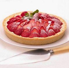 Tarta de frutillas con crema pastelera Pie Recipes, Sweet Recipes, Cooking Recipes, Quiches, Pan Dulce, Pretty Cakes, Desert Recipes, Cakes And More, Love Food