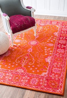 leuchtend roter und rosa Blumenteppich, pantone Flamme leuchtend roter und rosa Blumenteppich, pantYou can find Pantone and more. Orange Carpet, Orange Rugs, Red Rugs, Orange Pink, Bedroom Orange, Pink Room, Carpet Design, Contemporary Rugs, Rugs In Living Room
