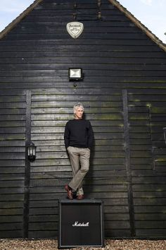 Paul Weller: 'Celebrity culture is bonkers. She's too thin, she's too fat. Make up your mind' - ES Magazine - Life & Style - London Evening . The Style Council, Paint Icon, Paul Weller, Black Barn, New Fathers, John Paul, First Nations, My Favorite Music, Surrey