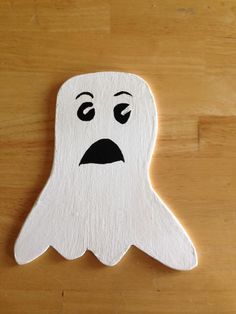 Friends, a shiny item is here ✨ Miniature Wooden Halloween Scared Ghost Decoration http://throughfireart.com/products/miniature-wooden-halloween-scared-ghost-decoration-gettysburg-pa-haunted-america