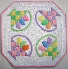 Holiday's Best Egg-s Table Topper Patterns, Quilted Table Toppers, Table Runner Pattern, Quilted Table Runners, Mini Quilt Patterns, Mug Rug Patterns, Small Quilts, Mini Quilts, Easter Crafts