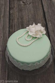 LeivinLiina: Mintunvihreä pitsikakku / Mint Green Cake with Lace