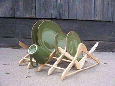 Arredare con il riciclo creativo - Scolapiatti con grucce