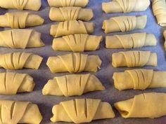 Μηλοπιτάκια φανταστικά !!! - Χρυσές Συνταγές Breakfast Recipes, Dessert Recipes, Desserts, Apple Pie Recipes, Carrots, Sweet Tooth, Cooking Recipes, Cookies, Vegetables