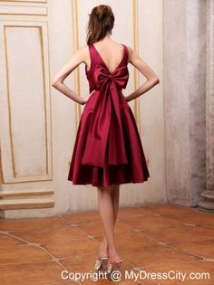 Knee-length V-neck Bowknot Maid of Honor Dress in Wine Red - MyDressCity.com