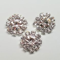 VINTAGE BLACK /& WHITE SEQUIN CLUSTER FLAT BACK ROUNDS COSTUMING GLUE or SEW 22mm