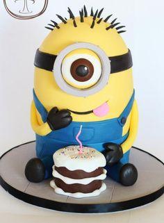 Minion Cake was made by Lori's Sweet Cakes . This Despicable Me Cake . Minion Torte, Bolo Minion, Cake Minion, My Birthday Cake, Minion Birthday, 16th Birthday, Happy Birthday, Sweet Cakes, Cute Cakes
