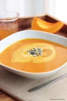 Typical autumn: pumpkin soup- Typisch Herbst: Kürbissuppe {scroll down for the english recipe} The pumpkin is … - Casserole Recipes, Soup Recipes, Cooking Recipes, Shrimp Recipes, Lunch Recipes, Vegetarian Recipes, Healthy Recipes, Dinner Recipes, Pumpkin Recipes