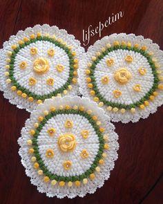 Crochet Doilies, Yarn Crafts, Crochet Earrings, Blanket, Instagram, Krishna, Crocheting, Tricot, Photography
