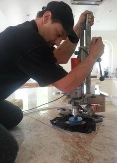 Aufmaß, Lieferung und Montage der #Granit #Arbeitsplatten, Material Ivory Brown/Shivakashi in 3 cm Stärke. Die Granit Ivory Brown/Shivakashi Arbeitsplatten wurden in Zurich geliefert und montiert.  http://www.maasgmbh.com/aktuelle-zurich-shivakashi-granit