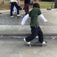 Skater Boy Style, Skater Kid, Skater Girls, Sup Girl, Skate Boy, Estilo Grunge, Teenage Dirtbag, Skate Style, Looks Cool