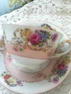 Harmony House Grandeur Fine China Set of 6 Teacups & Saucers