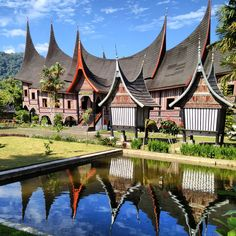 Rumah Gadang at West Sumatra www.travel-sumatra.com