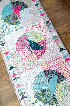 Flit and Bloom Table Runner + How to Piece Curves
