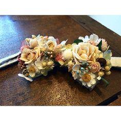 新郎衣装|フラワー蝶ネクタイまとめ : 結婚式の新郎衣装に関するお話|カジュアルウェディングまとめ Floral Bow Tie, Green Flowers, Corsage, Bouquet, Bloom, Wedding, Jewelry, Hair Bows, Floral Design