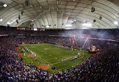 Hubert H Humphrey Metrodome, Minneapolis MN (football)