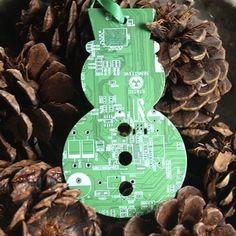 Motherboard Christmas Ornament | Community Post: 26 Tech DIY Projects For The Nerd In All Of Us