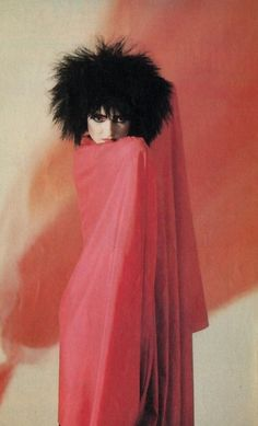 The Godmother of Goth: 40 Vintage Photos That Show the Classic Goth Look of Siouxsie Sioux From British Punk ~ vintage everyday Siouxsie Sioux, Siouxsie & The Banshees, 80s Goth, Punk Goth, Danielle Dax, Photo Rock, Beatles, British Punk, Goth Look