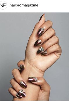30 Stunning Nails design ideas to bring a touch of magic to your manicure! As we told you many times, leaving your home without having a manicure pile in the current trends is possible. The art of sublimating your nails certa. Acrylic Nails Coffin Glitter, Glitter Nails, Burgundy Nails, Blue Nails, Chrome Nails, Matte Nails, Bling Bling, Chrome Powder, White Nail Polish
