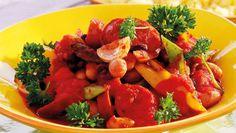 Enkelt recept på snabblagad korvgryta med falukorv och paprika. Smakrik och mustig vardagsmat som hela familjen uppskattar!