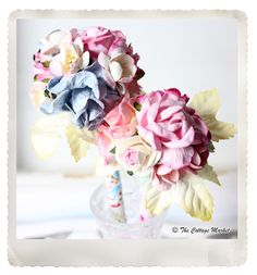 Teacher and mom gift diy got a pen? - the cottage market Diy Gifts For Mom, Homemade Gifts, Handmade Flowers, Diy Flowers, Paper Flowers, Flower Decorations, Flower Pens, Preschool Gifts, Diy Back To School