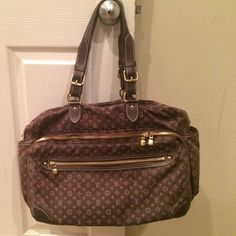 """AUTHENTIC Louis Vuitton bag Louis Vuitton Brown Ebene Monogram Canvas """"Mini Lin Sac a Langer"""" (Diaper Bag). I used it as a tote/computer bag for school. She's slightly worn as seen in pics. AUTHENTIC!!! All zippers work. Bag is in really good condition. Shoulder strap included. MAY be willing to trade for other authentic bags. NO HOLES, NO STAINS..some wear but no tears anywhere! Louis Vuitton Bags"""