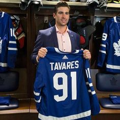 This #transformationtuesday goes out to our local hockey superstar #johntavares . Welcome home to the #torontomapleleafs ! . . . . . #supportlocal #oakville #oakvilleontario #hockey #iamcanadian #canada #home #toronto #the6ix #gta #sports #torontosports #hometown #proud #welovesports #tavares #mapleleafs #hometownhero #realestate #realtor #realtorlife #happy #prohockey #exprealty #exprealtyofcanada #empire56realty Hockey Girls, Hockey Mom, Ice Hockey, John Tavares, Maple Leafs Hockey, Pittsburgh Penguins Hockey, Jonathan Toews, Nfl Fans, Toronto Maple Leafs