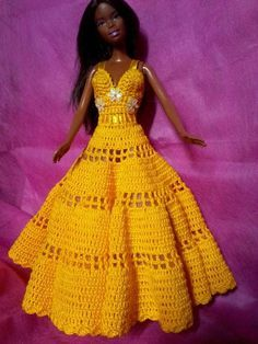 free crochet doll costumes for barbie dolls Crochet Doll Dress, Crochet Barbie Clothes, Doll Clothes Barbie, Knitted Dolls, Barbie Doll, Barbie Gowns, Barbie Dress, Barbie Clothes Patterns, Clothing Patterns