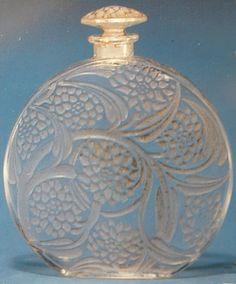 Rene Lalique Perfume Bottle Pivoines, circa 1925