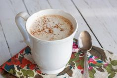 There is nothing more relaxing than snuggling up on the couch on a cold winter evening, with a good book and a warm cup of homemade hot chocolate. This recipe makes for a decadent, creamy and satisfying treat. Gluten Free Drinks, Dairy Free Recipes, Whole Food Recipes, Paleo Recipes, Paleo Food, Dairy Free Hot Chocolate, Homemade Hot Chocolate, Paleo Chocolate, Yummy Drinks