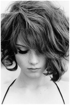 Ilona Kuodiene – Photo Ellen von Unwerth.  I like her hair, suits her bold face