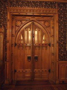 The Dining Room doorway- Tyntesfield - Wraxall - Somerset - England Gothic Mansion, Victorian Gothic, Victorian Homes, Gothic House, Knobs And Knockers, Door Knobs, Porches, Portal, Somerset England
