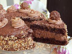 torta Rocher ricetta golosa,torta con crema Rocher.La torta Rocher è ideale come torta di compleanno o per eventi importanti come il Natale.torta cioccolato Biscotti, Baking, Desserts, Cream, Cooking Food, Recipes, Tailgate Desserts, Deserts, Bakken