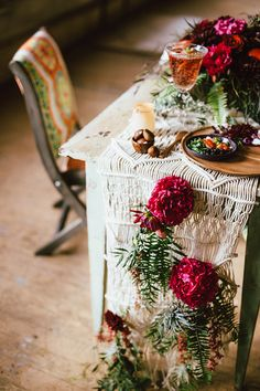 macrame wedding details - photo by Cluney Photo http://ruffledblog.com/cinco-de-mayo-wedding-inspiration-with-macrame #weddingideas #tablescape #tablerunner