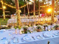 #tablescape #whiteroses #jutesacks #weddingideas #beachwedding #destinationwedding #shangrilaboracay #misheesevents #eventstyling #weddings #lightbulbs #fairylights Lightbulbs, Event Styling, Fairy Lights, White Roses, Weddingideas, Tablescapes, Destination Wedding, Table Decorations, Weddings