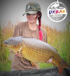 Catch Report: Team Member Bianca Olivier What a nerve wrecking battle !! This stunner took me to every single snag in the lake, what a worthy opponent !! #psychobaits #lovetofish #carplife #urbancarpgirl #Foxinternational #Foxhooks #Karpioene