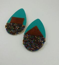 Leather/Wood Earrings . New item!   WWW.AFENICOLLECTIONS.COM   Thanks for stopping by! -☺😊😀 - #handcraftedaccessories#diy#customfashion#customdesigns#uniqefashion#trendyfashion#affordablefashion#fashion#fashionaccessories#leatheraccessories#supportblackbusiness#wearableart#buyblack#style#stoneearrings#earrings#woodaccessories#woodearrings#affordableearrings#jewelrygram#jewelrydesigner#jewelryaddict#beauty#design#style#fashionjewelery